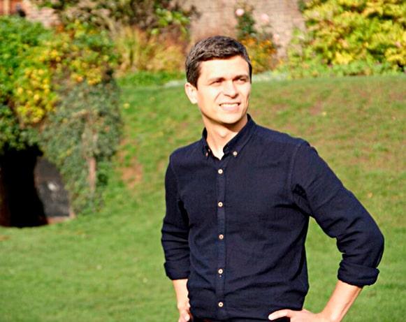 Інженер в Англії і заочно заарештований в Росії: історія творця «розумних» паркувальних датчиків Nwave - фото